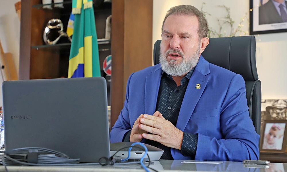 Governador conduz reunião. Foto: Tharson Lopes