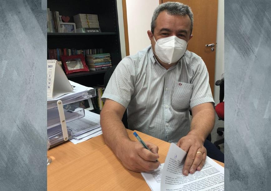 Prefeito Ronivon Maciel publicou decreto que amplia a lista de candidatos classificados