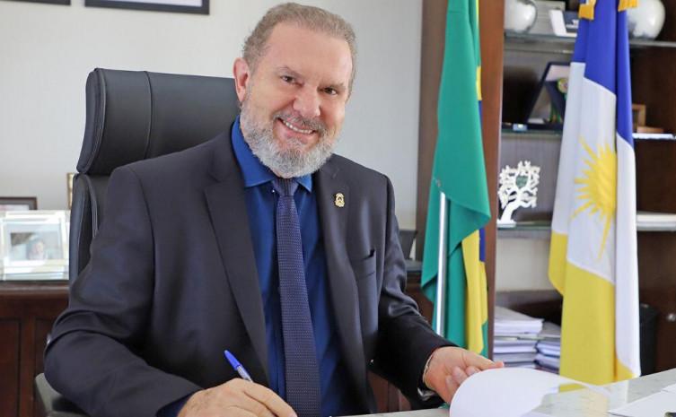O governador Mauro Carlesse destaca que a entrega do título é uma vitória para a comunidade e para o estado do Tocantins.