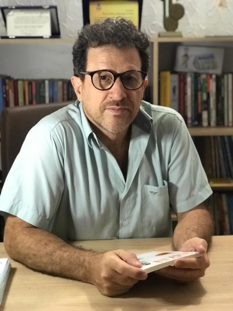Paulo Albuquerque publicou três livros nos últimos três anos