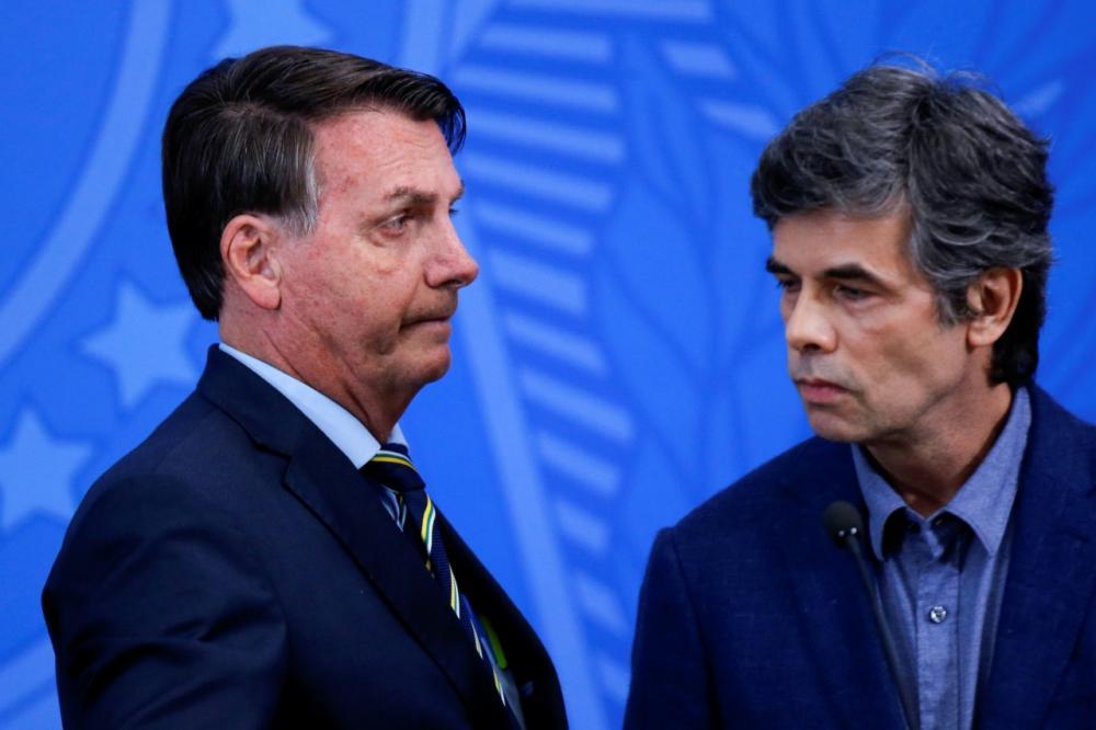 Presidente Bolsonaro perde segundo ministro da Saúde; crise tende a se agravar