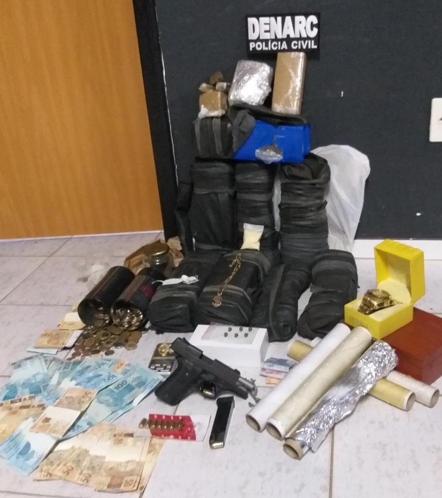Drogas, dinheiro e arma de fogo apreendidos pela Polícia Civil em Araguaína - DENARC